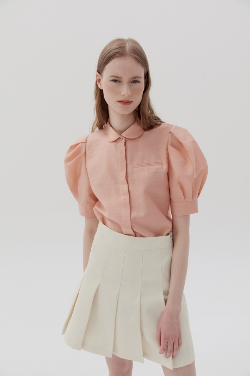 SAMYANG Puffed short sleeve blouse (Peach)