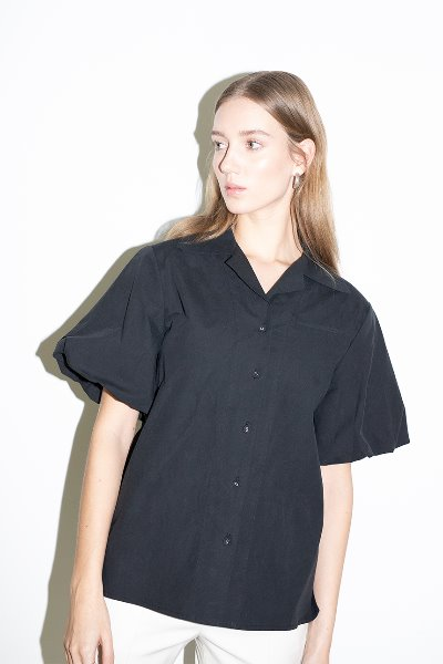 ORANGE COUNTY notched collar balloon short sleeve blouse (Black)