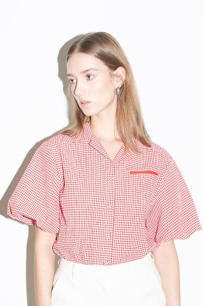 ORANGE COUNTY notched collar balloon short sleeve blouse (Red gingham check)